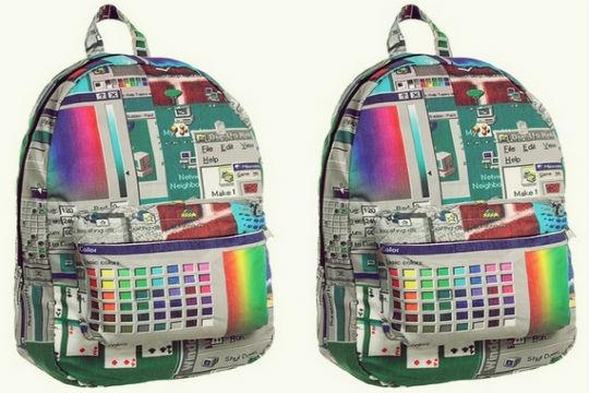 Windows 95 en todo su esplendor con esta nueva mochila.