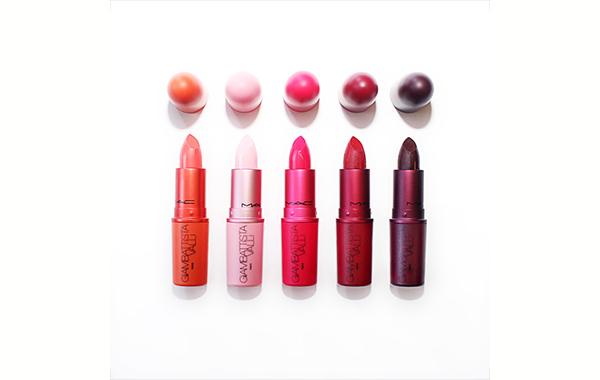 La línea está compuesta por cinco tonos de lipsticks.