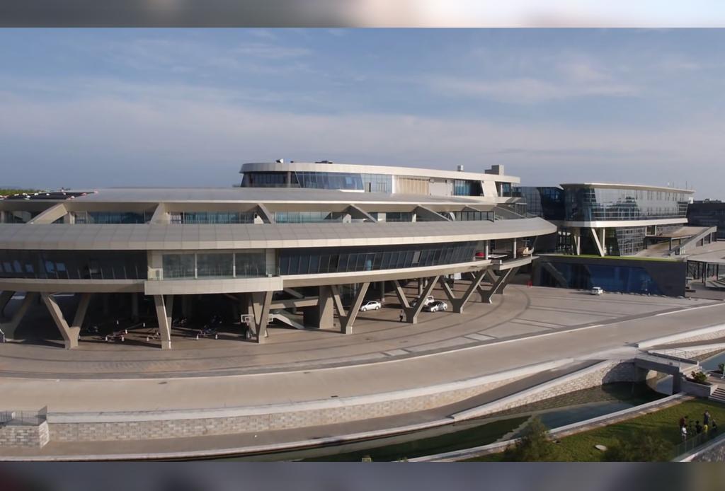 La starship enterprise de star trek existe y es un edificio for Oficinas enterprise