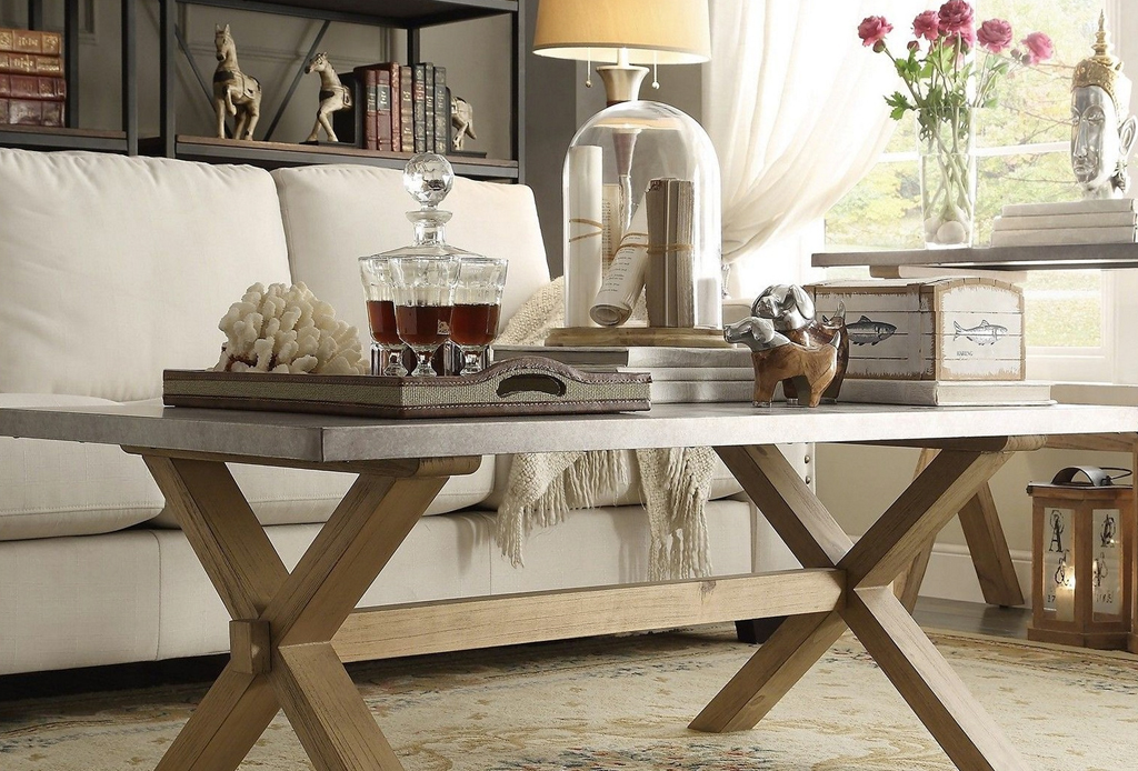 4 formas de decorar una mesa de centro for Maneras de decorar tu habitacion